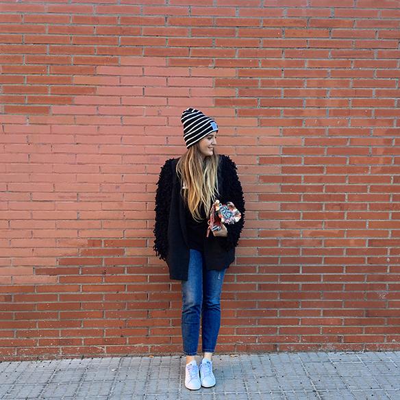 15-colgadas-de-una-percha-anna-duarte-blazer-chaqueta-jeans-bambas-camiseta-gorro-9