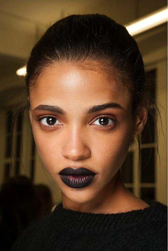 15-colgadas-de-una-percha-maquillaje-make-up-fw-oi-fall-winter-15-16-labios-mate-matt-lips-2