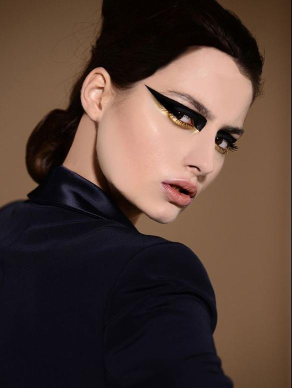 15-colgadas-de-una-percha-maquillaje-make-up-fw-oi-fall-winter-15-16-mirada-block-black-look-negro-1