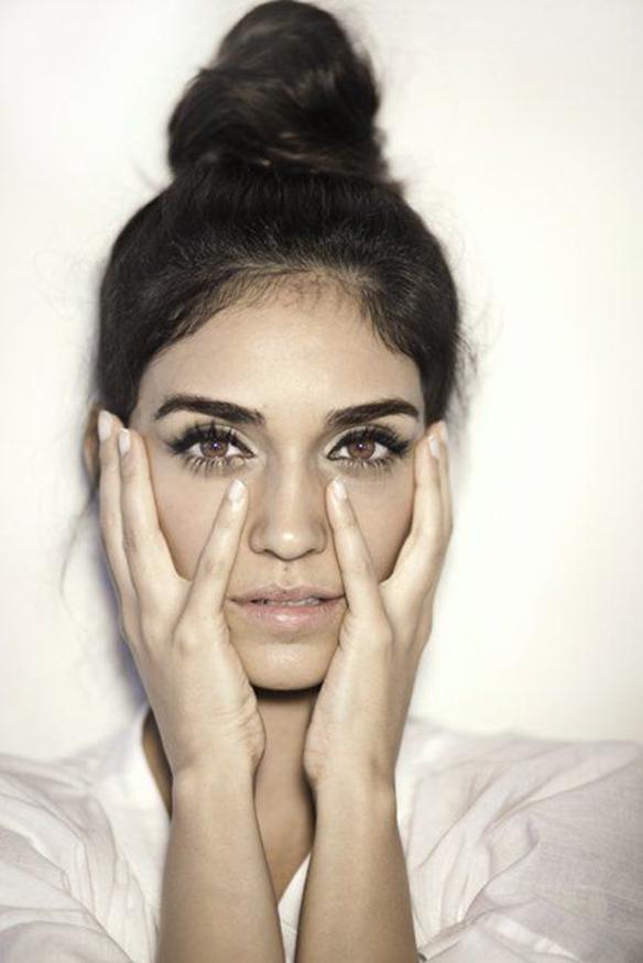 15-colgadas-de-una-percha-maquillaje-make-up-fw-oi-fall-winter-15-16-ojos-perfilados-pestañas-xl-eyelashes-outlined-eyes-2