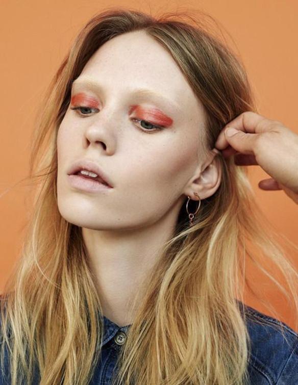 15-colgadas-de-una-percha-maquillaje-make-up-fw-oi-fall-winter-15-16-sombras-anaranjadas-y-nude-nude-and-orange-shadows-1