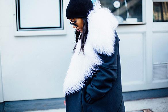 15-colgadas-de-una-percha-nyfw-street-style-new-york-fashion-week-estilo-style-outfits-looks-10