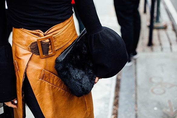 15-colgadas-de-una-percha-nyfw-street-style-new-york-fashion-week-estilo-style-outfits-looks-12