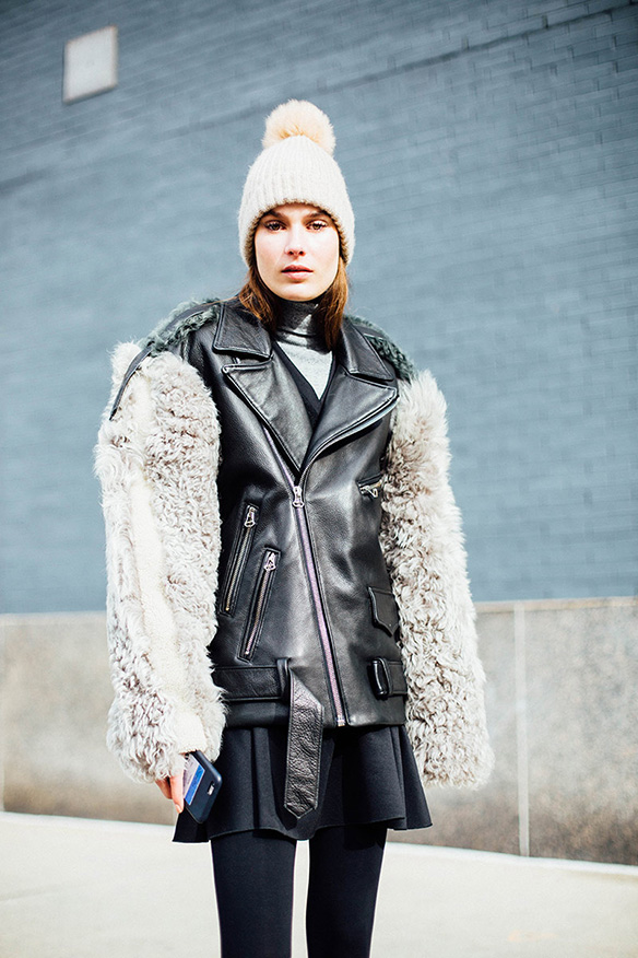 15-colgadas-de-una-percha-nyfw-street-style-new-york-fashion-week-estilo-style-outfits-looks-13