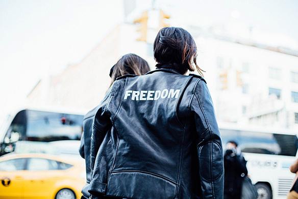15-colgadas-de-una-percha-nyfw-street-style-new-york-fashion-week-estilo-style-outfits-looks-17