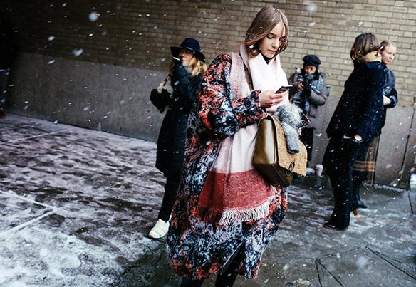 15-colgadas-de-una-percha-nyfw-street-style-new-york-fashion-week-estilo-style-outfits-looks-22