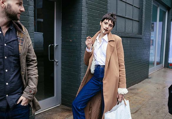 15-colgadas-de-una-percha-nyfw-street-style-new-york-fashion-week-estilo-style-outfits-looks-34