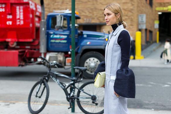 15-colgadas-de-una-percha-nyfw-street-style-new-york-fashion-week-estilo-style-outfits-looks-4