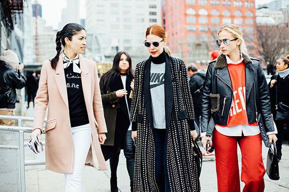 15-colgadas-de-una-percha-nyfw-street-style-new-york-fashion-week-estilo-style-outfits-looks-5