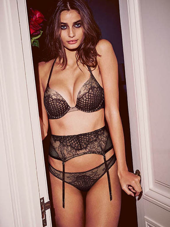 15-colgadas-de-una-percha-san-valentin-saint-valentines-day-lenceria-lingerie-ropa-interior-victoria-s-secret-2
