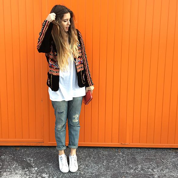 15-colgadas-de-una-percha-anna-duarte-resort-2016-entretiempo-chaqueta-jacket-jeans-bambas-trainers-8