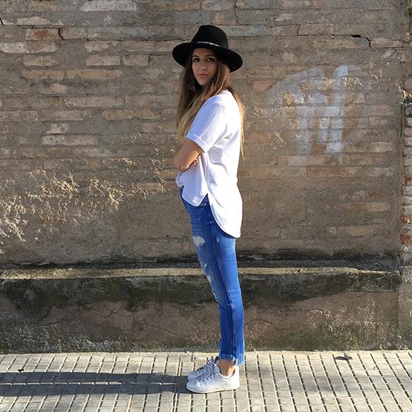 15-colgadas-de-una-percha-anna-duarte-resort-2016-entretiempo-mid-season-cropped-fringed-jeans-tejanos-flecos-sombrero-etnico-ethnic-folk-hat-1