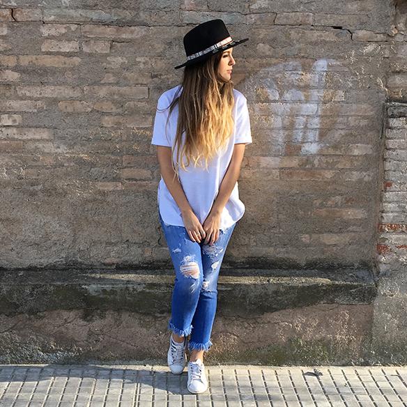 15-colgadas-de-una-percha-anna-duarte-resort-2016-entretiempo-mid-season-cropped-fringed-jeans-tejanos-flecos-sombrero-etnico-ethnic-folk-hat-7