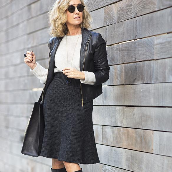 15-colgadas-de-una-percha-maica-jau-gris-grey-falda-skirt-fondo-de-armario-closet-basics-chaqueta-cuero-leather-jacket-10