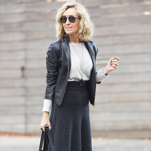 15-colgadas-de-una-percha-maica-jau-gris-grey-falda-skirt-fondo-de-armario-closet-basics-chaqueta-cuero-leather-jacket-6