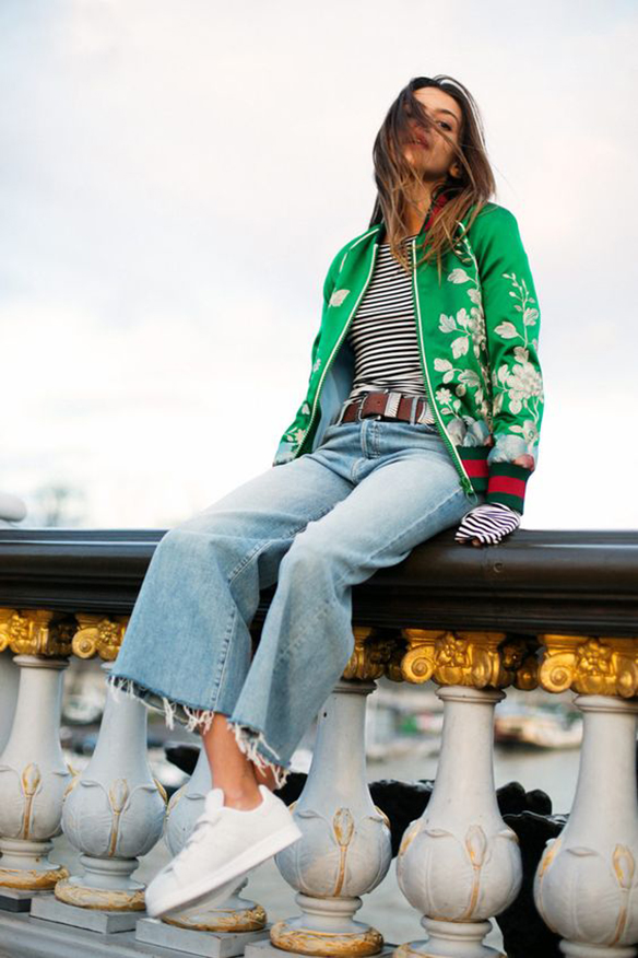 15-colgadas-de-una-percha-15-looks-we-love-outfits-bombers-chaqueta-bomber-12
