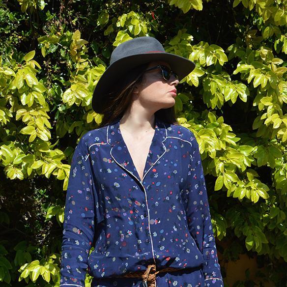 15-colgadas-de-una-percha-alicia-alvarez-pijama-pyjamas-sombrero-hat-2