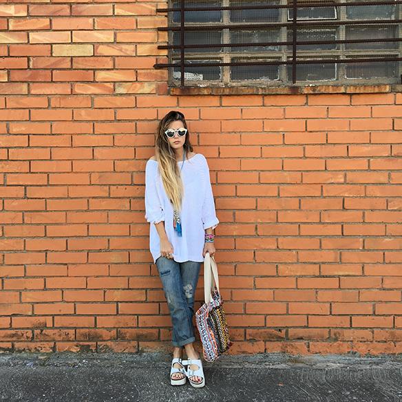 15-colgadas-de-una-percha-anna-duarte-ethnic-etnico-jeans-oversize-knit-punto-sandalias-sandals-10