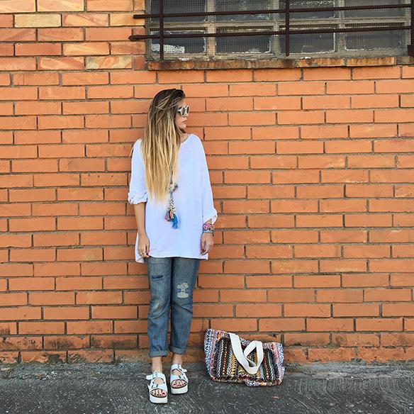 15-colgadas-de-una-percha-anna-duarte-ethnic-etnico-jeans-oversize-knit-punto-sandalias-sandals-9