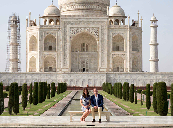 15-colgadas-de-una-percha-the-style-of-el-estilo-de-Kate-Middleton-India-Tour-4