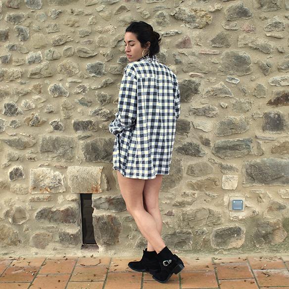 15-colgadas-de-una-percha-blanche-check-shirt-camisa-cuadros-lace-top-encaje-shorts-botines-booties-festival-outfit-look-festivalero-6