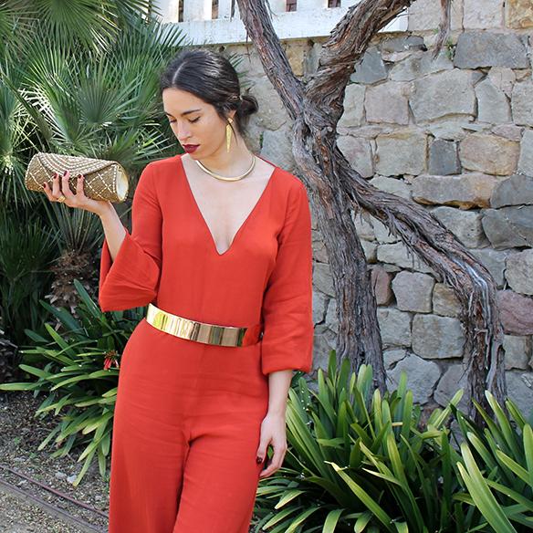 15-colgadas-de-una-percha-blanche-weddings-bodas-mono-teja-tile-jumpsuit-cinturon-rigido-dorado-gold-rigid-belt-1