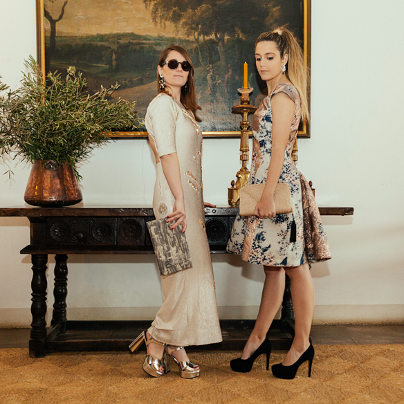 15-colgadas-de-una-percha-carla-kissler-anna-duarte-vestidos-invitadas-de-boda-wedding-guest-outfits-looks-menchen-tomas-2