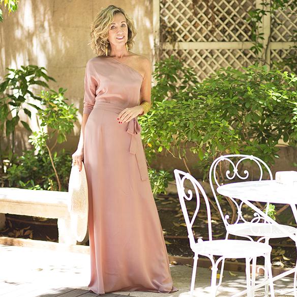 15-colgadas-de-una-percha-maica-jau-invitada-de-bodas-weddings-guest-looks-outfits-vestido-dress-nude-pamela-clutch-jewelry-1