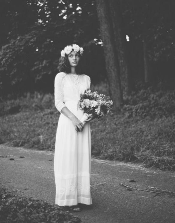 15-colgadas-de-una-percha-que-tipo-de-novia-eres-what-kind-of-bride-are-you-wedding-gown-dress-vestidos-de-novia-bodas-boho-1