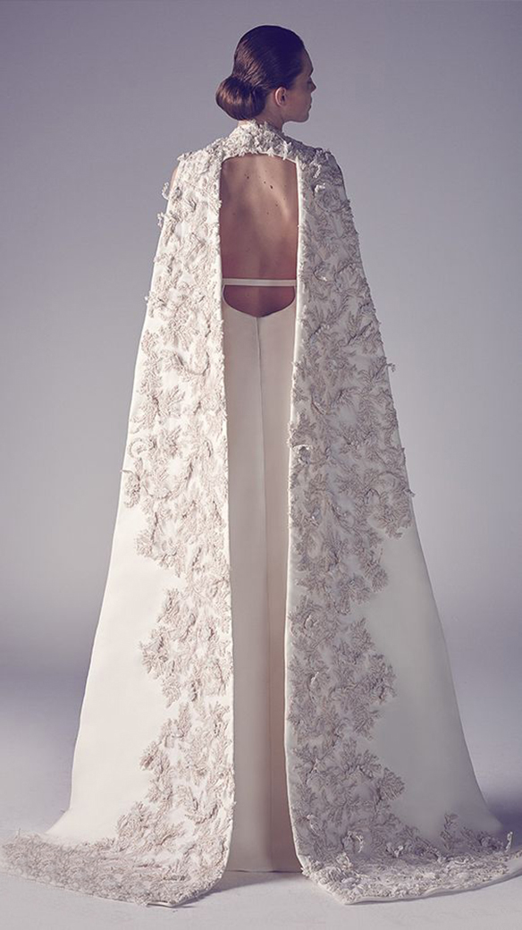 15-colgadas-de-una-percha-que-tipo-de-novia-eres-what-kind-of-bride-are-you-wedding-gown-dress-vestidos-de-novia-bodas-capa-cape-capucha-hood-3