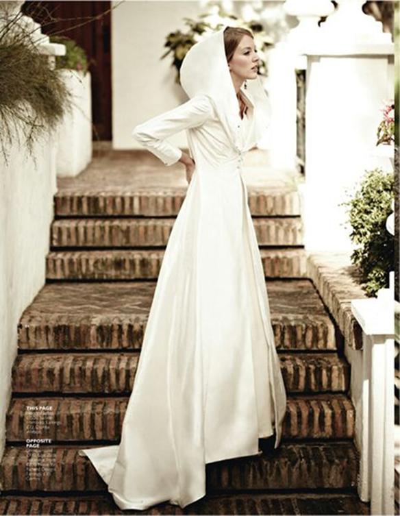 15-colgadas-de-una-percha-que-tipo-de-novia-eres-what-kind-of-bride-are-you-wedding-gown-dress-vestidos-de-novia-bodas-capa-cape-capucha-hood-6