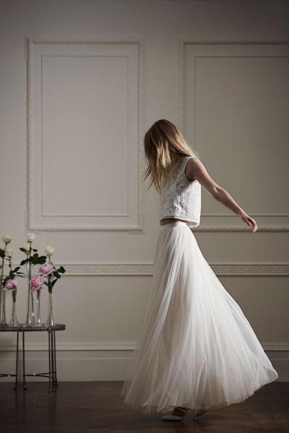 15-colgadas-de-una-percha-que-tipo-de-novia-eres-what-kind-of-bride-are-you-wedding-gown-dress-vestidos-de-novia-bodas-crop-top-1