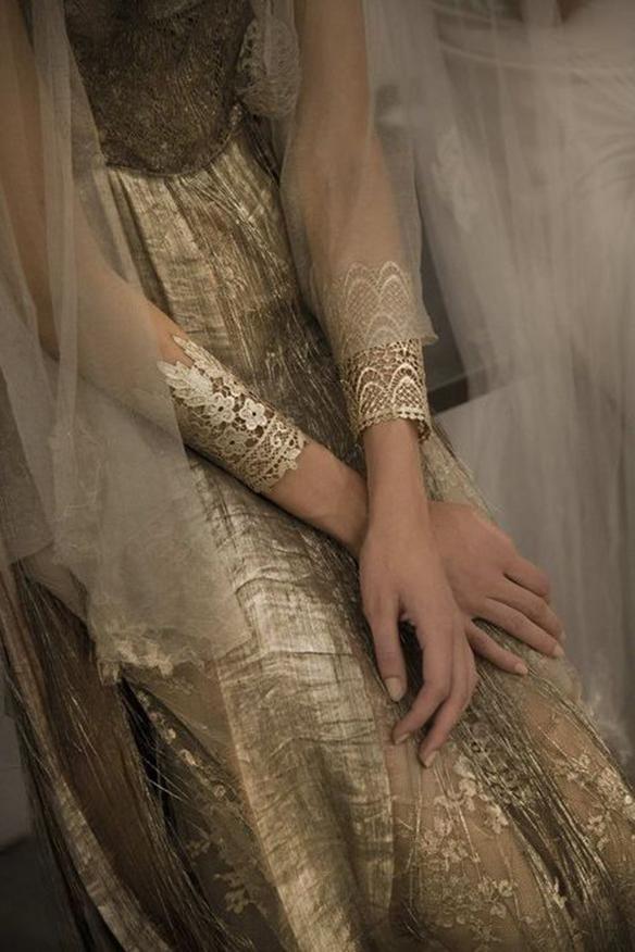 15-colgadas-de-una-percha-que-tipo-de-novia-eres-what-kind-of-bride-are-you-wedding-gown-dress-vestidos-de-novia-bodas-etnica-ethnic-10