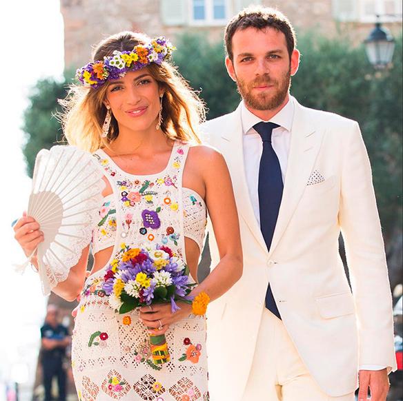 15-colgadas-de-una-percha-que-tipo-de-novia-eres-what-kind-of-bride-are-you-wedding-gown-dress-vestidos-de-novia-bodas-etnica-ethnic-mexican-mexicana-mejicana-portada