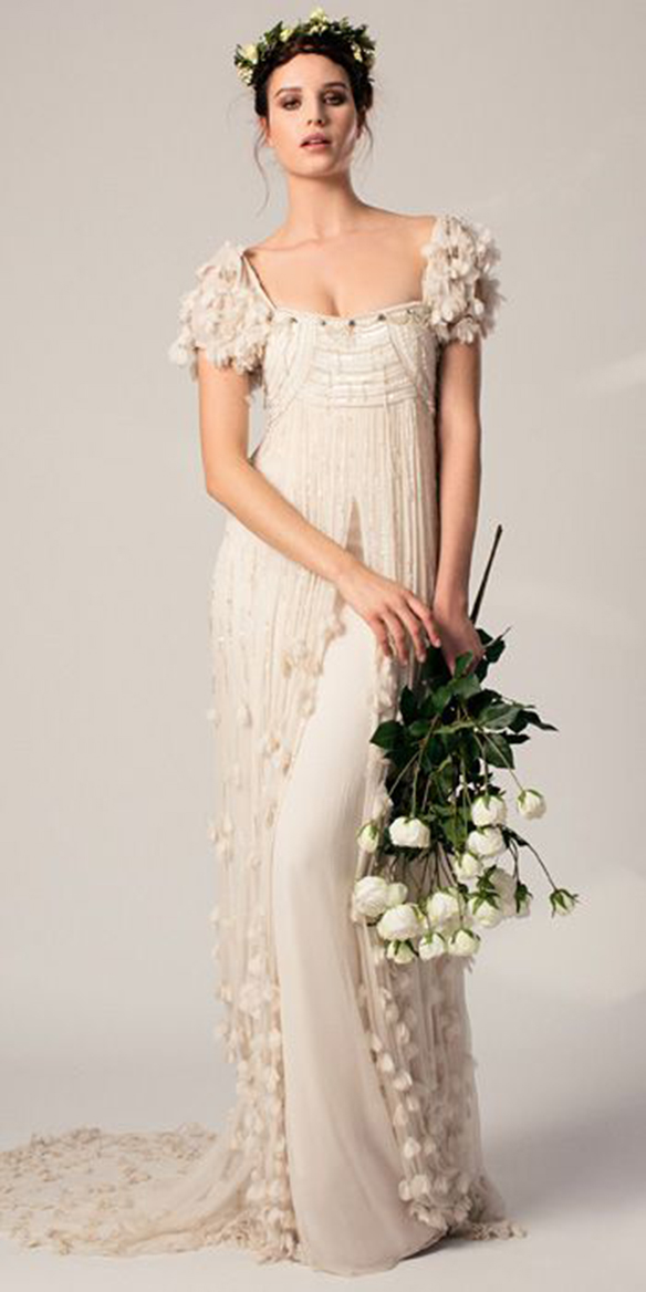 15-colgadas-de-una-percha-que-tipo-de-novia-eres-what-kind-of-bride-are-you-wedding-gown-dress-vestidos-de-novia-bodas-medieval-8