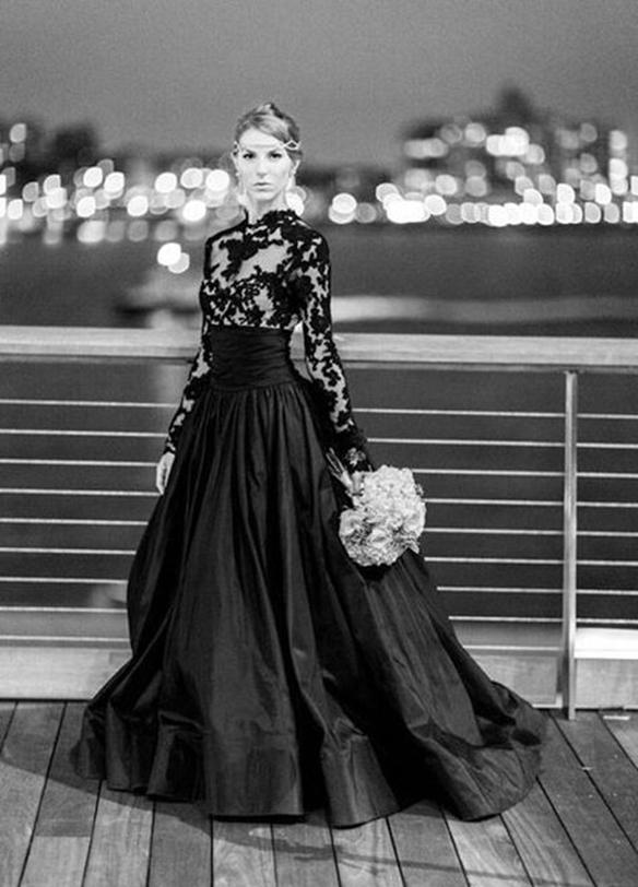 15-colgadas-de-una-percha-que-tipo-de-novia-eres-what-kind-of-bride-are-you-wedding-gown-dress-vestidos-de-novia-bodas-negro-total-black-1