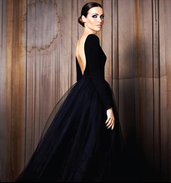 15-colgadas-de-una-percha-que-tipo-de-novia-eres-what-kind-of-bride-are-you-wedding-gown-dress-vestidos-de-novia-bodas-negro-total-black-6