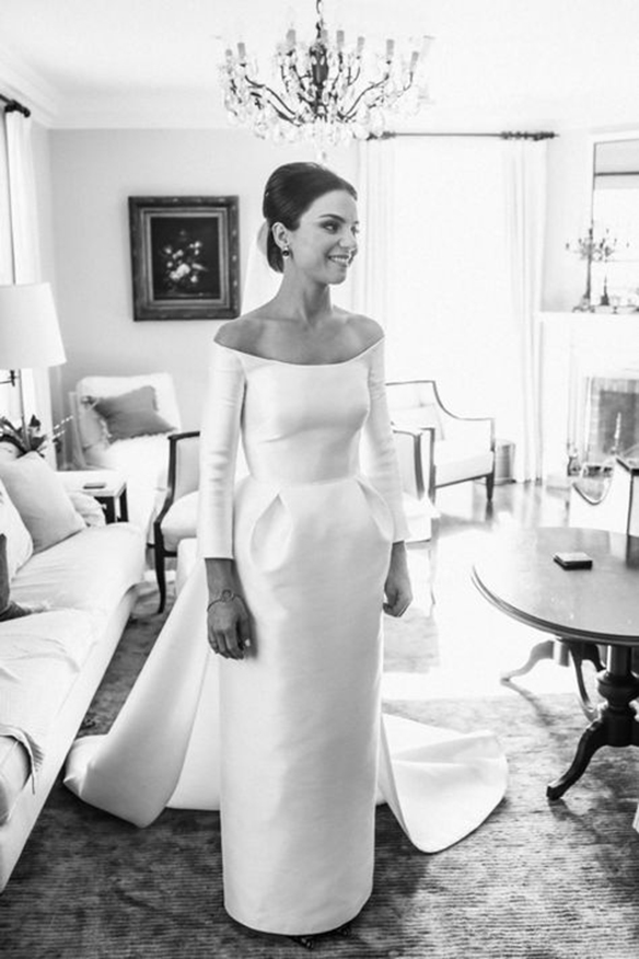 15-colgadas-de-una-percha-que-tipo-de-novia-eres-what-kind-of-bride-are-you-wedding-gown-dress-vestidos-de-novia-bodas-off-shoulders-hombros-descubiertos-3