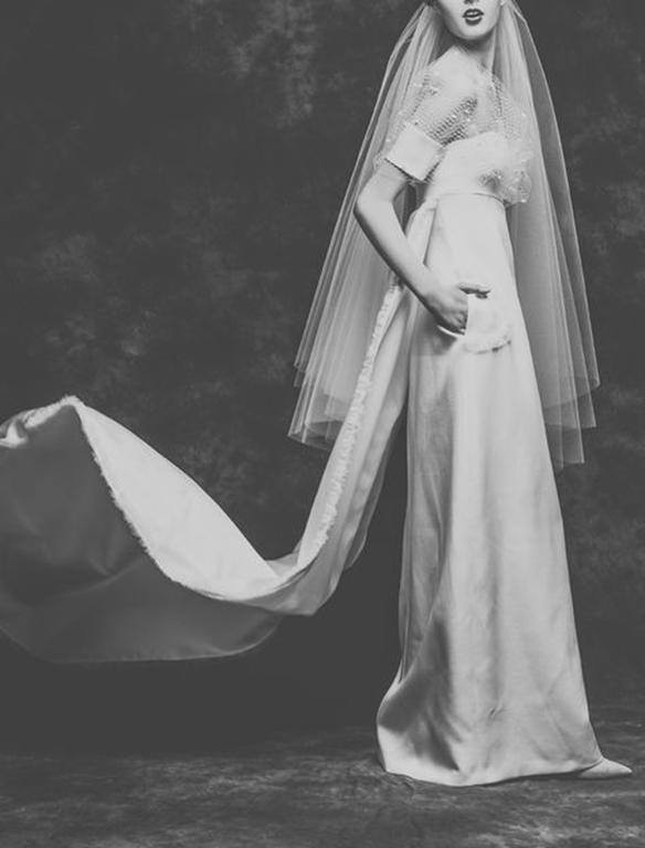 15-colgadas-de-una-percha-que-tipo-de-novia-eres-what-kind-of-bride-are-you-wedding-gown-dress-vestidos-de-novia-bodas-off-shoulders-hombros-descubiertos-4