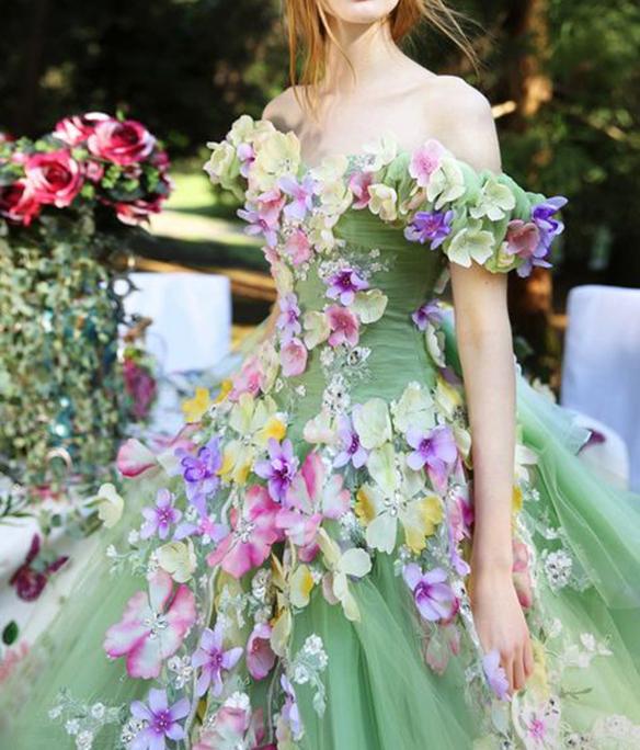15-colgadas-de-una-percha-que-tipo-de-novia-eres-what-kind-of-bride-are-you-wedding-gown-dress-vestidos-de-novia-bodas-off-shoulders-hombros-descubiertos-7