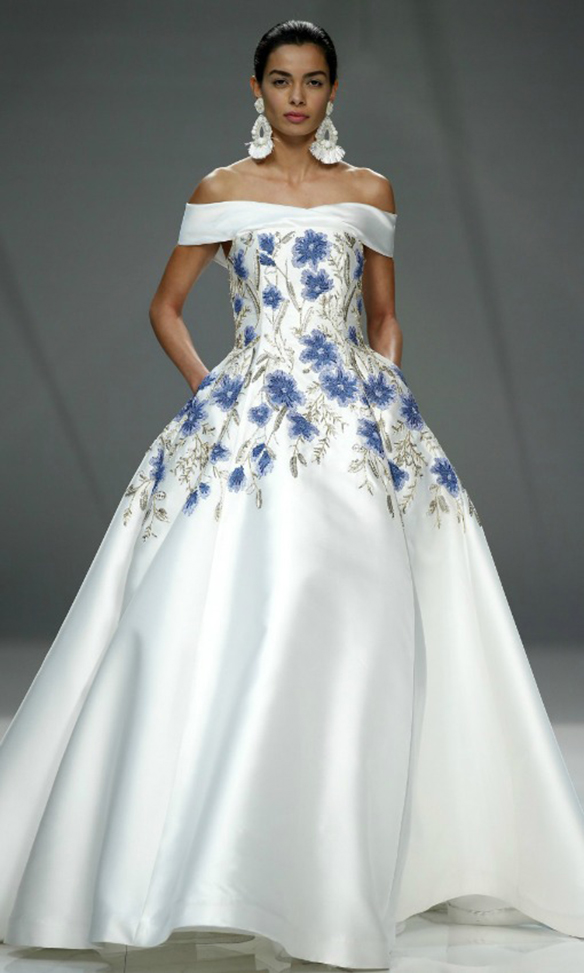 15-colgadas-de-una-percha-que-tipo-de-novia-eres-what-kind-of-bride-are-you-wedding-gown-dress-vestidos-de-novia-bodas-off-shoulders-hombros-descubiertos-8