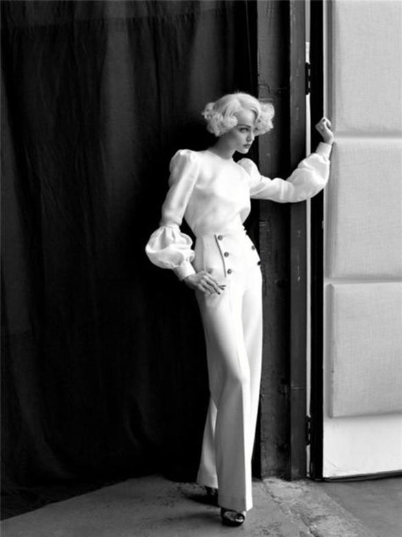 15-colgadas-de-una-percha-que-tipo-de-novia-eres-what-kind-of-bride-are-you-wedding-gown-dress-vestidos-de-novia-bodas-pantalones-trousers-6