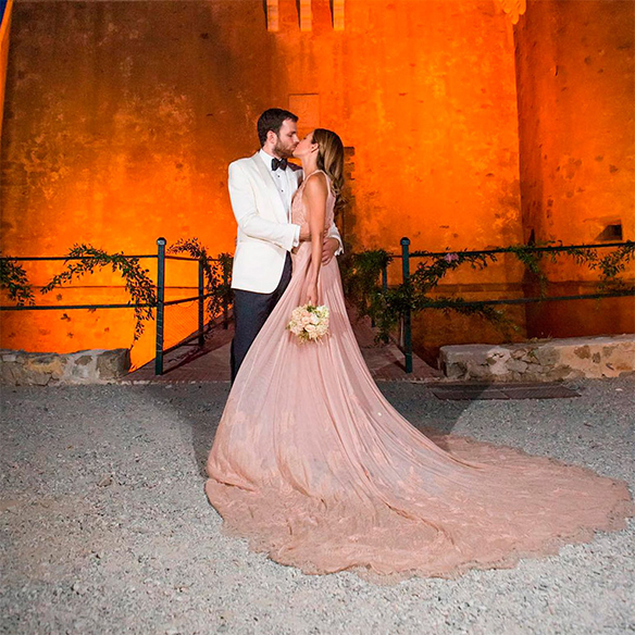 15-colgadas-de-una-percha-que-tipo-de-novia-eres-what-kind-of-bride-are-you-wedding-gown-dress-vestidos-de-novia-bodas-rosa-pink-8
