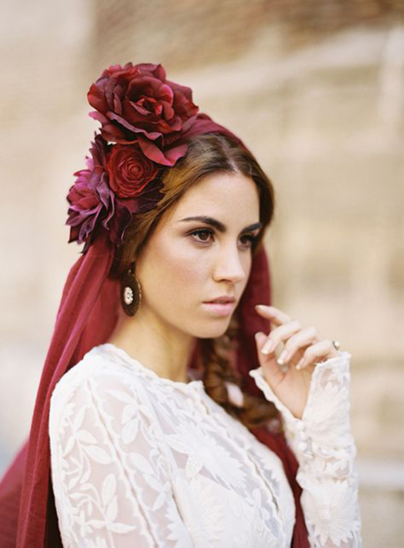 15-colgadas-de-una-percha-que-tipo-de-novia-eres-what-kind-of-bride-are-you-wedding-gown-dress-vestidos-de-novia-bodas-velo-con-color-veil-with-color-3