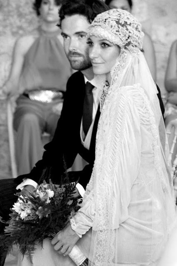 15-colgadas-de-una-percha-que-tipo-de-novia-eres-what-kind-of-bride-are-you-wedding-gown-dress-vestidos-de-novia-bodas-vintage-años-20-20s-6