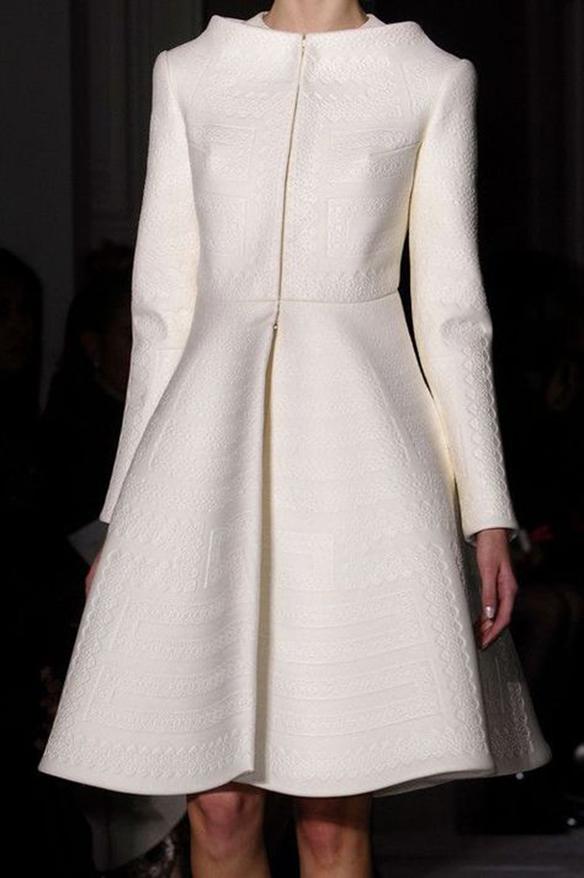 15-colgadas-de-una-percha-que-tipo-de-novia-eres-what-kind-of-bride-are-you-wedding-gown-dress-vestidos-de-novia-bodas-vintage-años-60-60s-3
