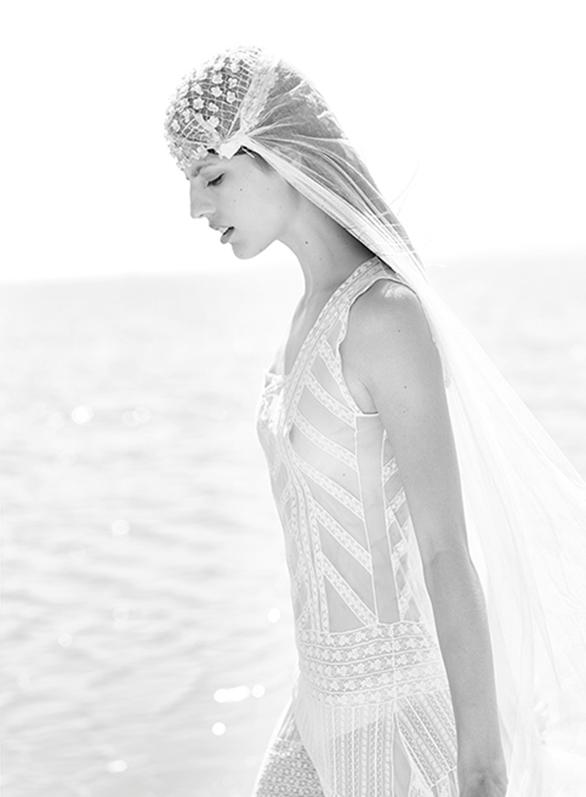 15-colgadas-de-una-percha-teresa-helbig-vestidos-de-novia-wedding-gowns-bodas-weddings-brides-5
