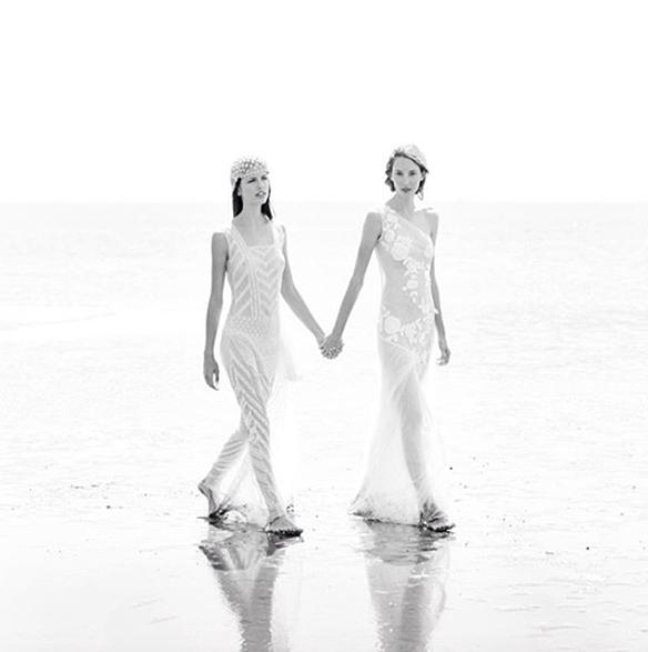 15-colgadas-de-una-percha-teresa-helbig-vestidos-de-novia-wedding-gowns-bodas-weddings-brides-6