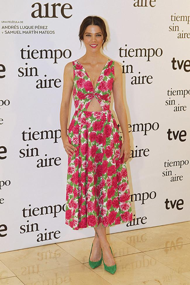 15-colgadas-de-una-percha-the-style-of-el-estilo-de-juana-acosta-inspiracion-inspiration-looks-alfombra-roja-red-carpet-outfits-invitada-de-boda-wedding-guest-19