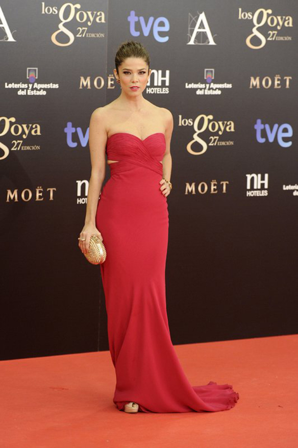 15-colgadas-de-una-percha-the-style-of-el-estilo-de-juana-acosta-inspiracion-inspiration-looks-alfombra-roja-red-carpet-outfits-invitada-de-boda-wedding-guest-20